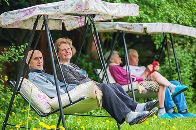 Санаторий для пенсионеров: льготные путевки, очередь, как получить